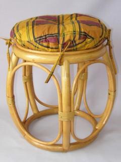 Ratanová taburetka široká barevná